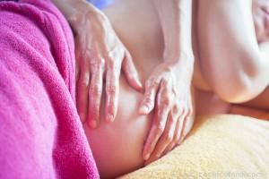 Massages-bien-être-énérgétique-détente-relaxation-harmonie-énergie-Perpignan-Prades-grossesse-femme-enceinte-bébé-sportif-huile-essentielle-profond-bonheur-thaïlandais